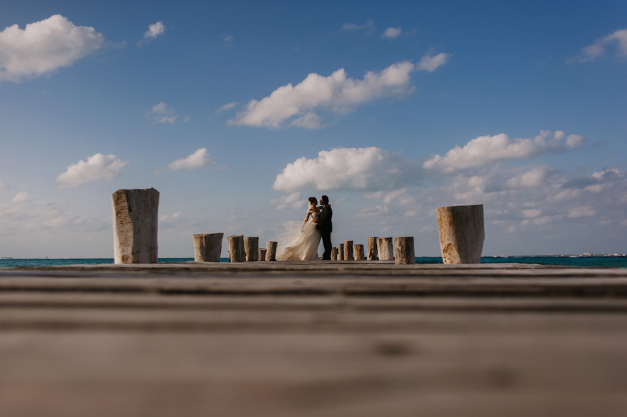Bride and groom portrait pier Cancun Mexico Wedding SC-Boda-Cancun-001