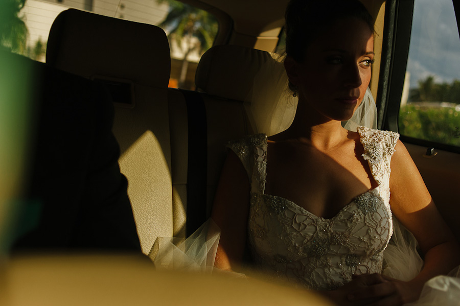 Bride heading to ceremony Cancun Mexico Wedding SC-Boda-Cancun-052