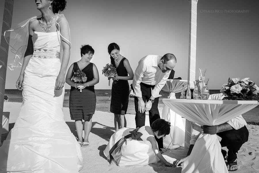 Lost rings treasure hunt Wendy Adam Beach wedding Dreams Tulum