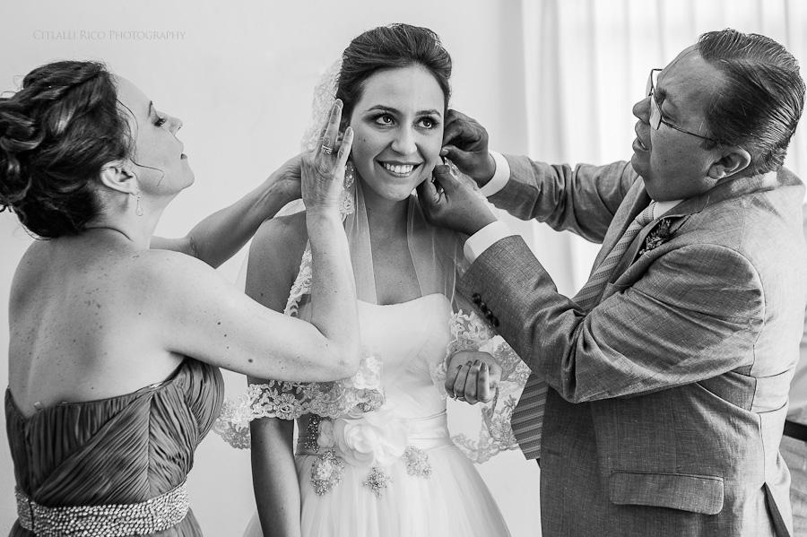 Bride getting ready with her parents Lola y Bobby Ana Y Jose Tulum Mexico Wedding