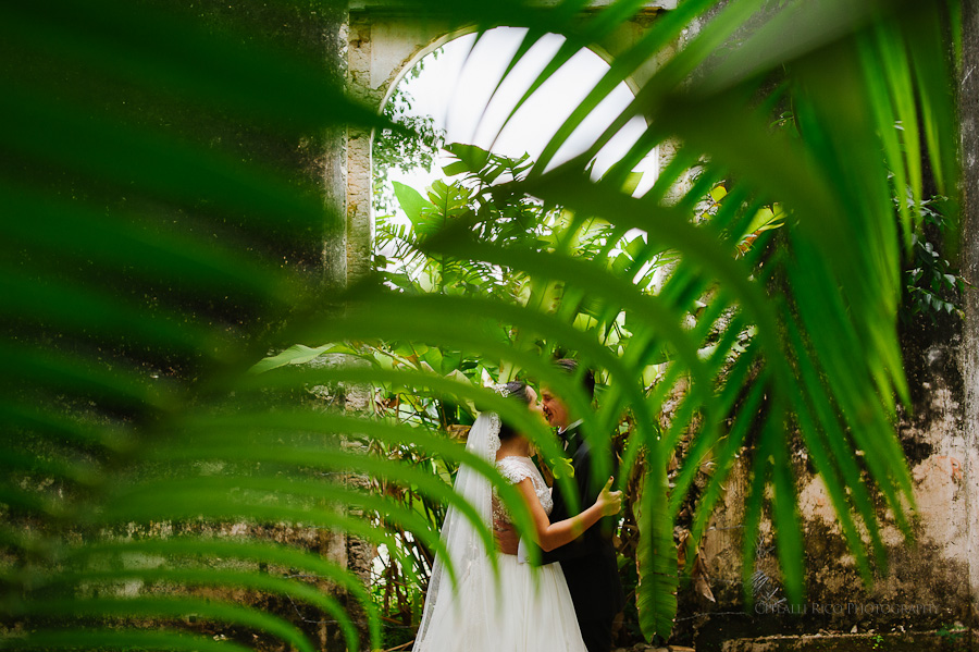 Beautiful green portrait of bride and groom in Hacienda wedding