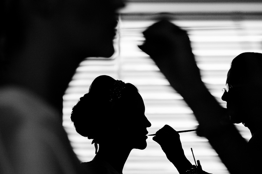 Bride getting ready makeup silhouette Mers Axel Coral Beach Cancun Wedding