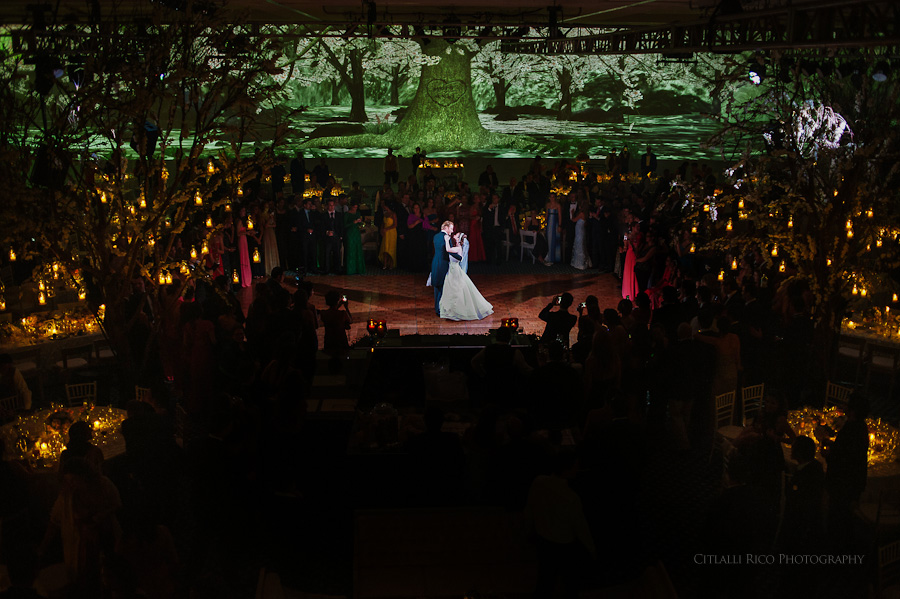 Bride and groom first dance Fairy tale Reception Mers Axel Coral Beach Cancun Wedding