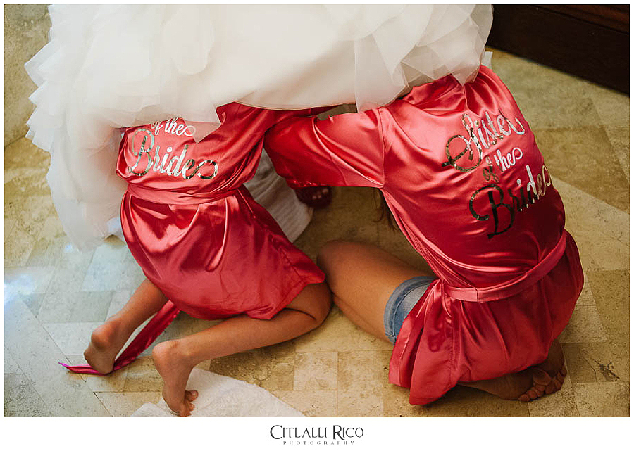 MJ-Bride-Bridesmaids-Getting Readdy-Funny-Xcaret-Wedding-005