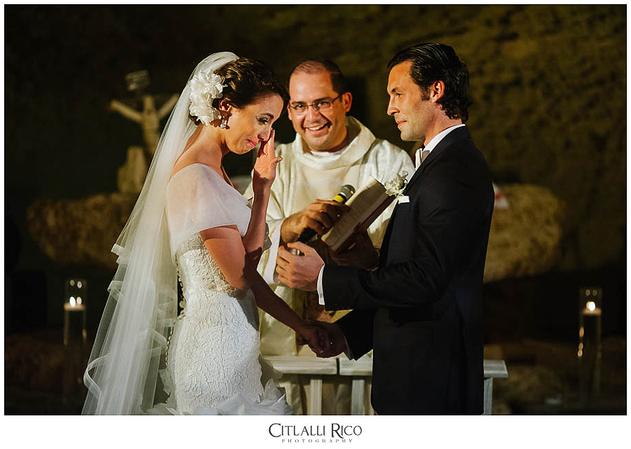Bride-Groom-Ceremony-Emotive-Moments-MJ-Xcaret-Wedding-023