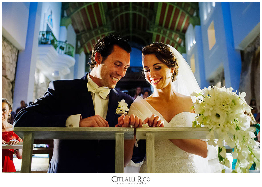 Bride-and-groom-ceremony-emotions-happyness-MJ-Xcaret-Wedding-024