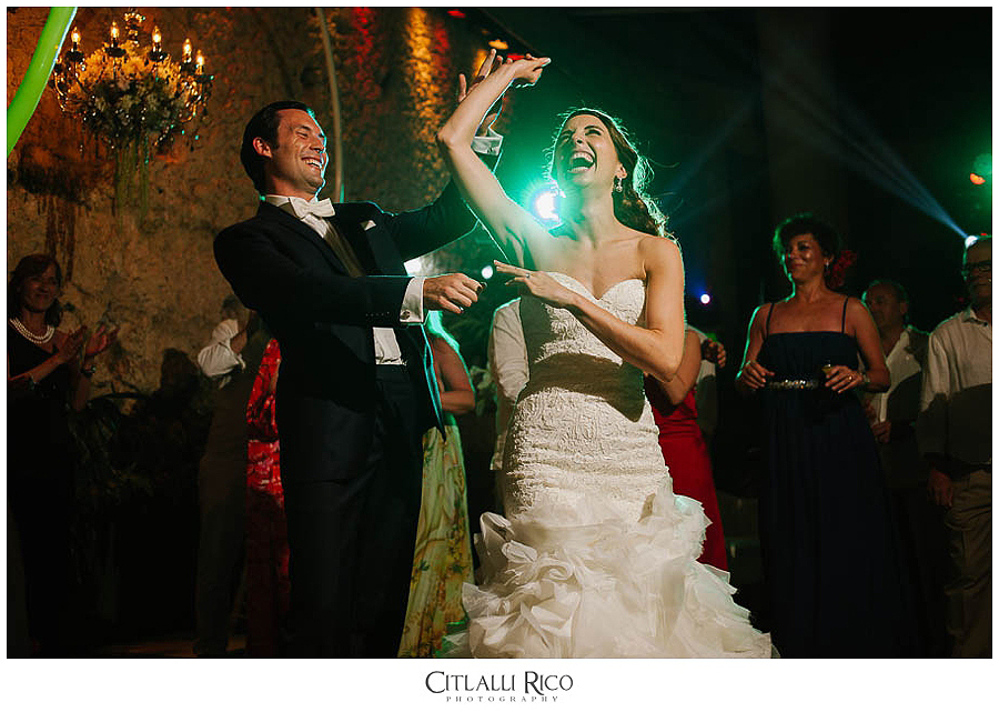 Bride-and-groom-dancing-having-fun-MJ-Xcaret-Wedding-033