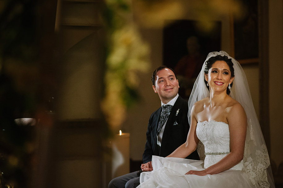 Bride and groom at the altar during Monterrey Wedding ceremony at the church