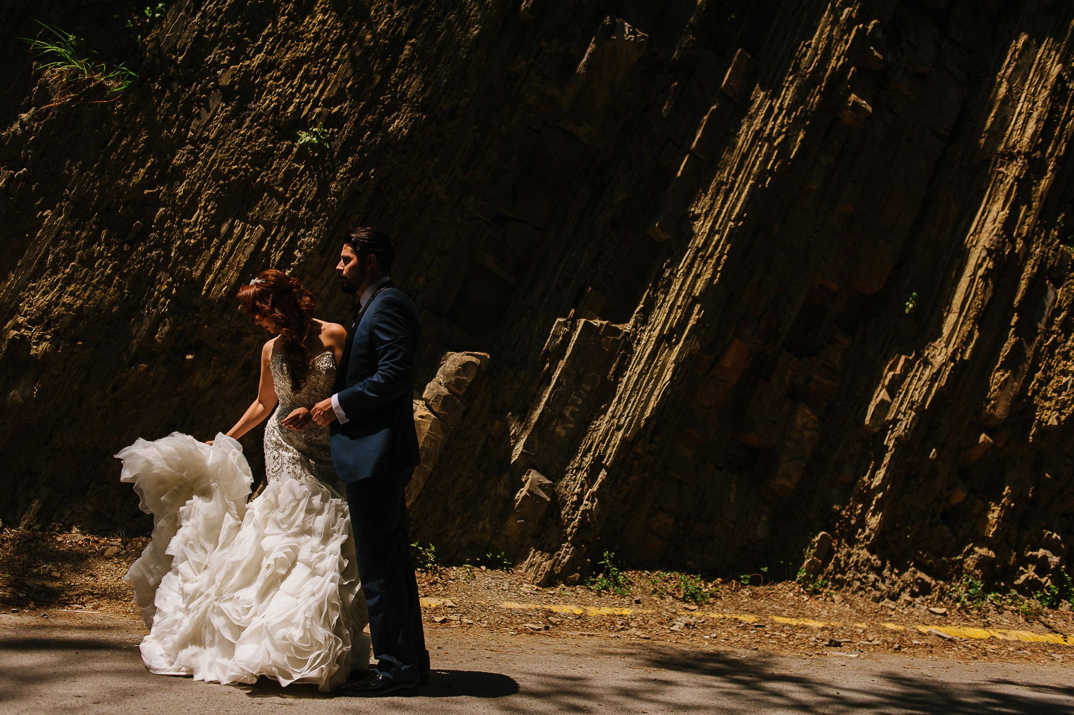 bride and groom portrait in Santiago Pueblo Magico