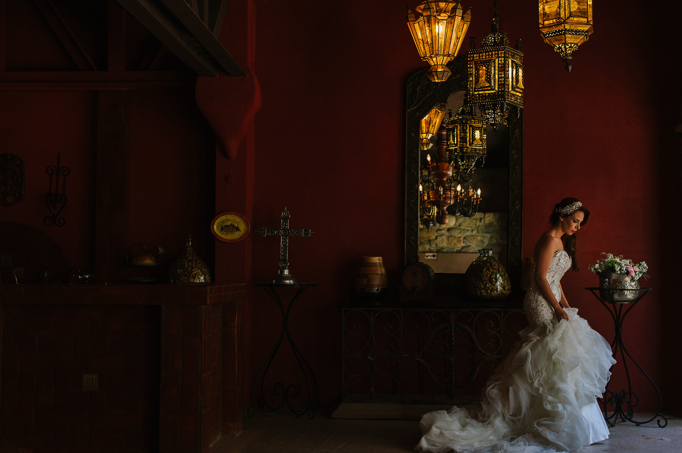 Bridal portrait by a mirror in Antigua Hacienda de Santiago
