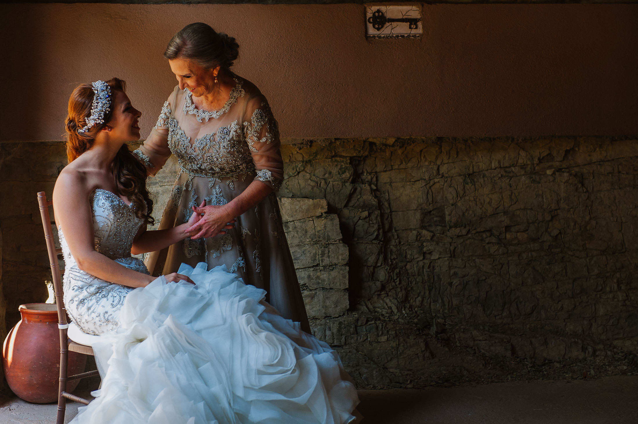 Bride and mother of the bride portrait in Santiago