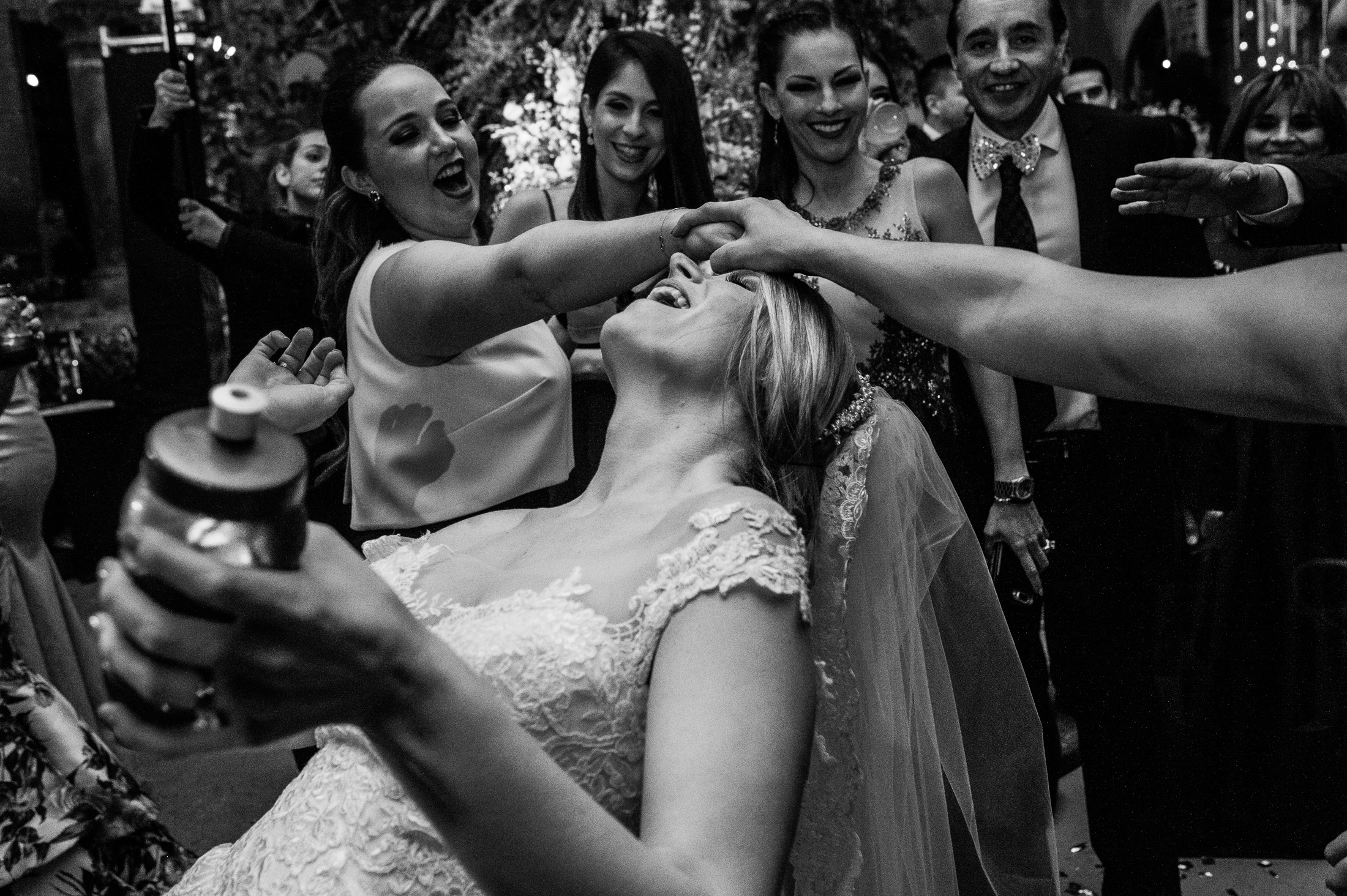 bride dancing limbo in reception San Miguel de Allende wedding