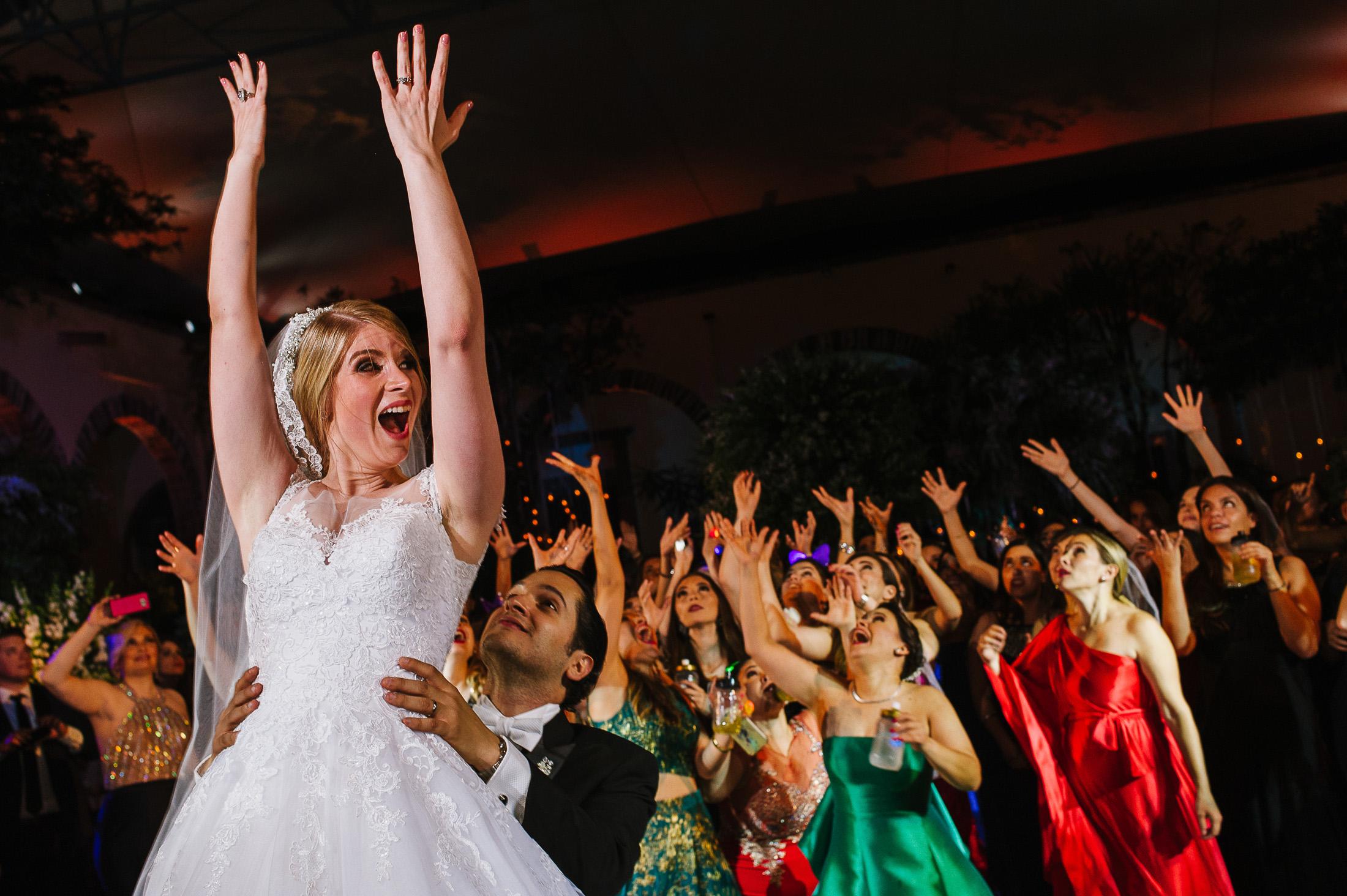 Bouquet tosa wedding reception San Miguel de Allende