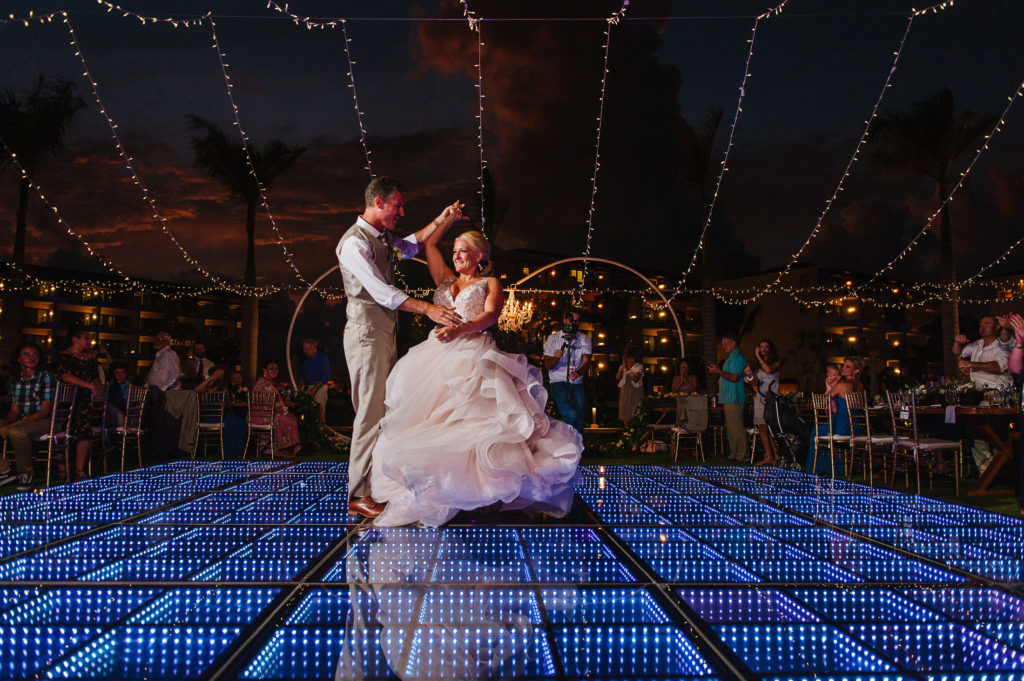 First dance beautiful light bulbs strings at Dreams Riviera Cancun