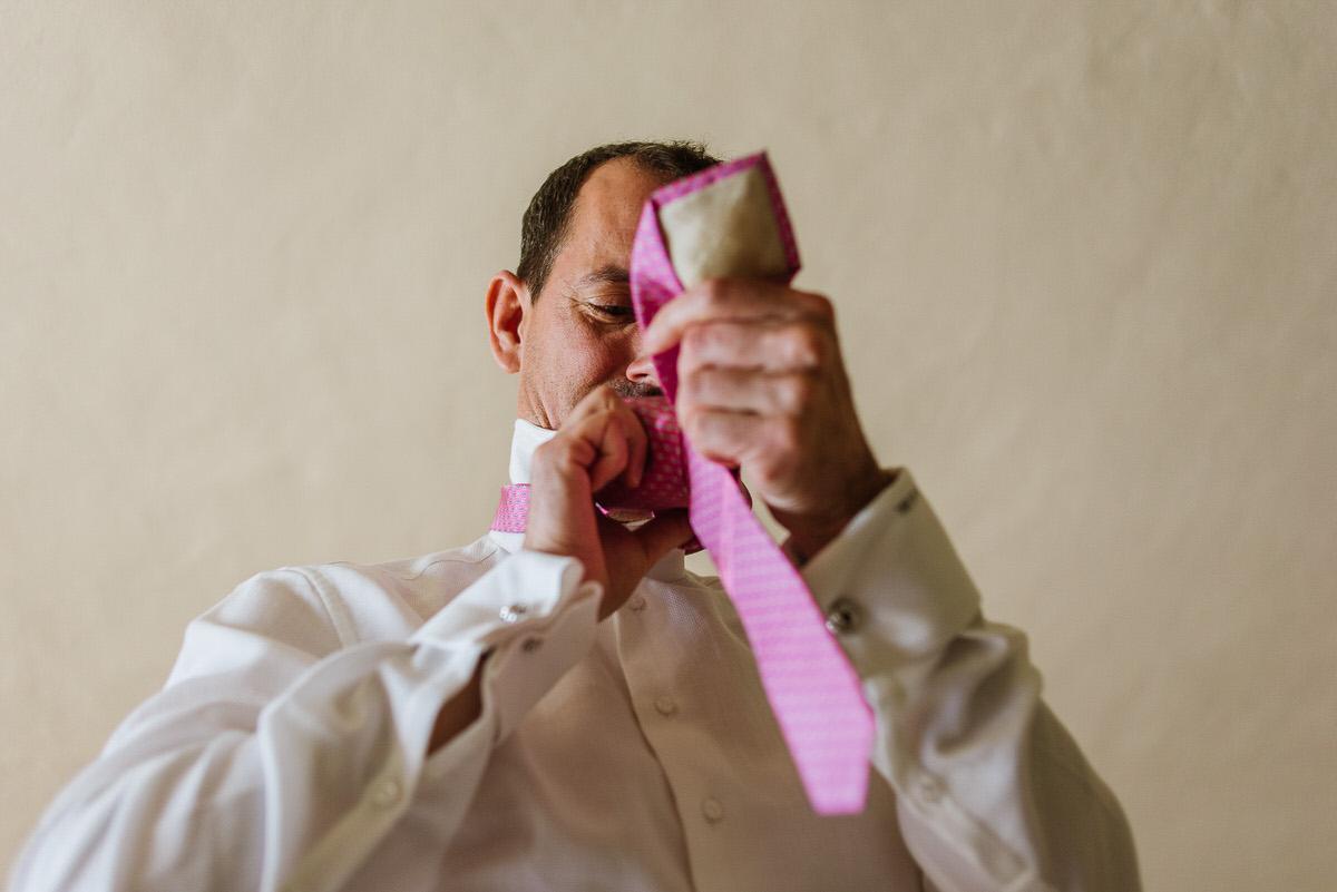 Groom's pink tie