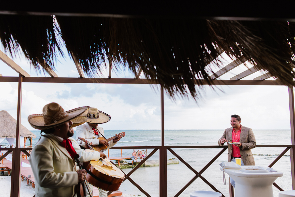 Mariachi band at Secrets Resort wedding in Cancun